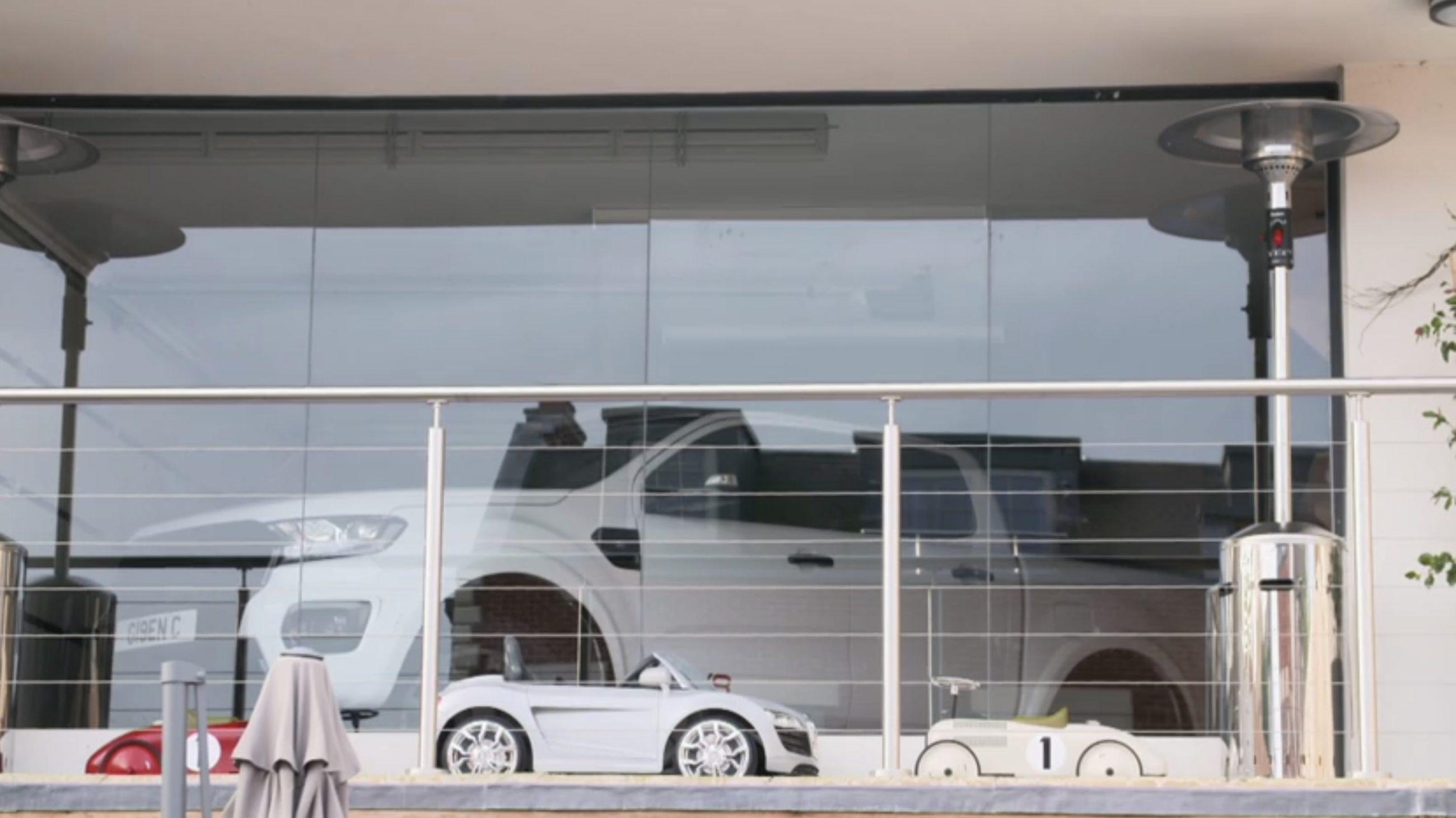 car-showroom
